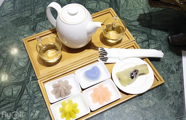 """Café ขนมไทย โรงน้ำชา มิตรามิตร"""""""
