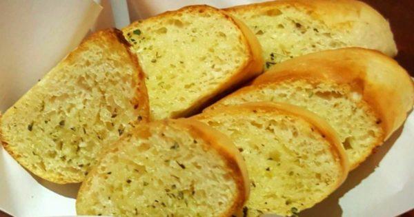 3 เทคนิคฉบับมือใหม่ให้ ขนมปังกระเทียม หอมอร่อยกรอบนานทานได้อย่างเพลิดเพลิน