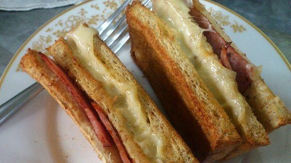 เมนูมื้อเช้าสไตล์สาย ฝ-วิธีทำแซนด์วิชชีสเยิ้มๆ