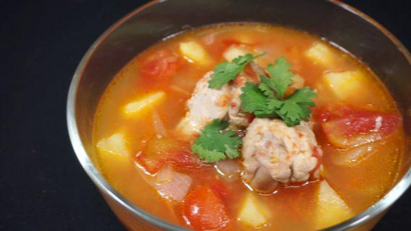 เมนูซุปไก่มะเขือเทศ อุ่นซดร้อนๆ ช่วยลดความอ้วนและหิวมื้อดึกได้