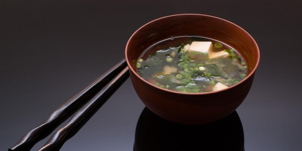 เมนูมื้อเช้าสไตล์ญี่ปุ่น-ซุปเต้าเจี้ยวญี่ปุ่นอุ่นอร่อย