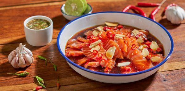 แซลมอนดองโชยุ กินคู่กับน้ำจิ้มซีฟู๊ด อาหารยอดฮิตที่สุดในปี 2021