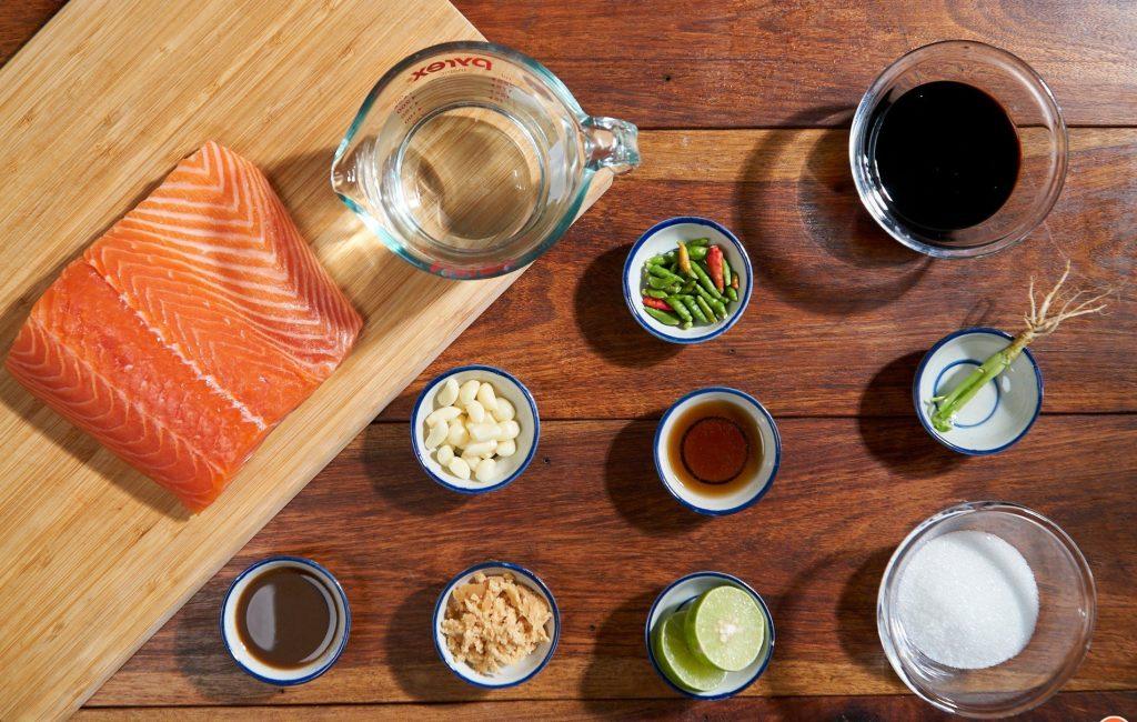 แซลมอนดองโชยุ กินคู่กับน้ำจิ้มซีฟู๊ด