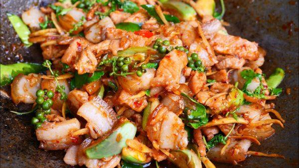 ผัดเผ็ดหมูป่า เมนูอาหารรสเด็ดที่ทำทานเองได้ง่ายๆ
